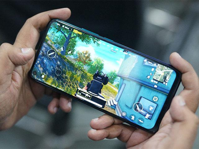 """Những smartphone """"chiến"""" game di động tốt nhất năm nay"""