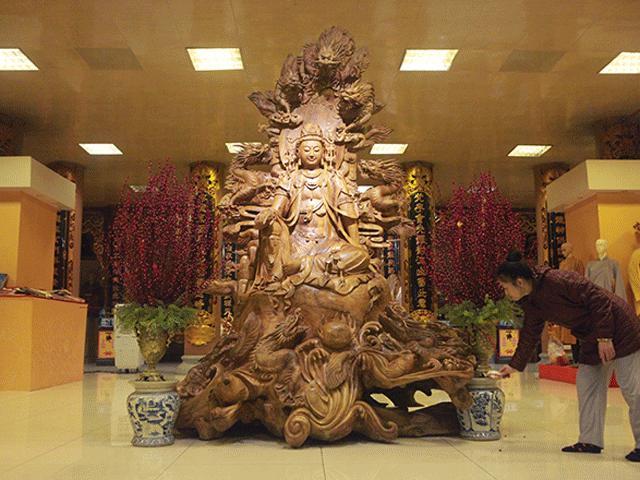 Bí ẩn pho tượng Quan Âm tỏa hương thơm ngày đêm ở Hà Nội