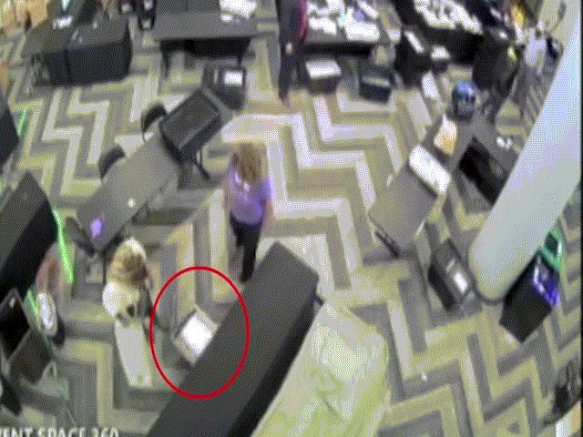 """Video """"bom tấn"""" ông Trump tố gian lận bầu cử ở Georgia là """"bom xịt""""?"""